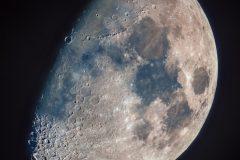Mond kurz nach dem ersten Viertel (Foto: Norbert Mrozek)